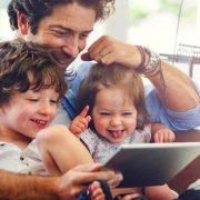 Кои хороскопски знаци ќе ги разгалуваат своите деца?