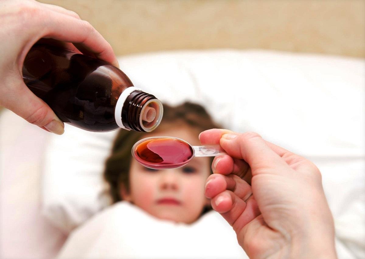 Мајка открива генијален трик како да му дадете лек на бебето без никакви проблеми