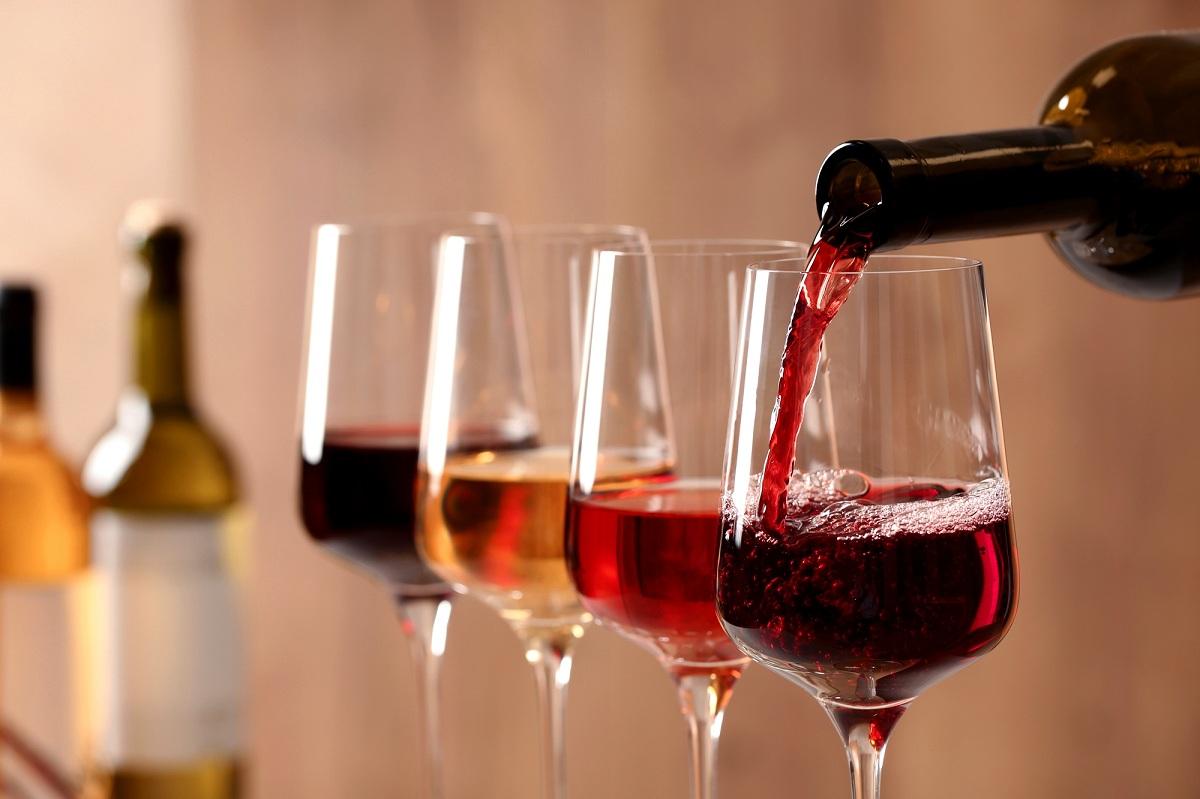 Што и како ќе пиеме во 2021 година: Нови навики и вински трендови
