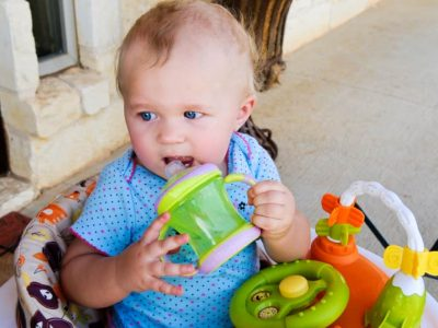 Дали знаевте дека користењето сламка за пиење е добро за развојот на вашето дете?