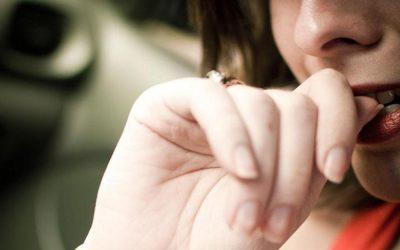 Грицкање на нокти: Иако најчесто се поврзува со стрес, еве што друго може да значи