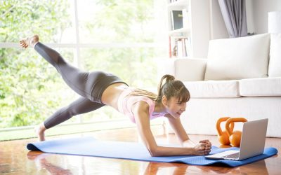 Вежбајте јога дома со овие 5 канали на Јутјуб