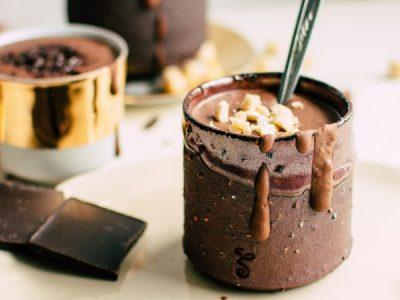 """Совршен викенд десерт: """"Пијан"""" пудинг од чоколадо"""