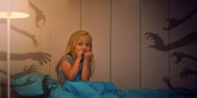 """Зошто децата сакаат да си играат на """"чудовишта"""" и да ги плашите?"""