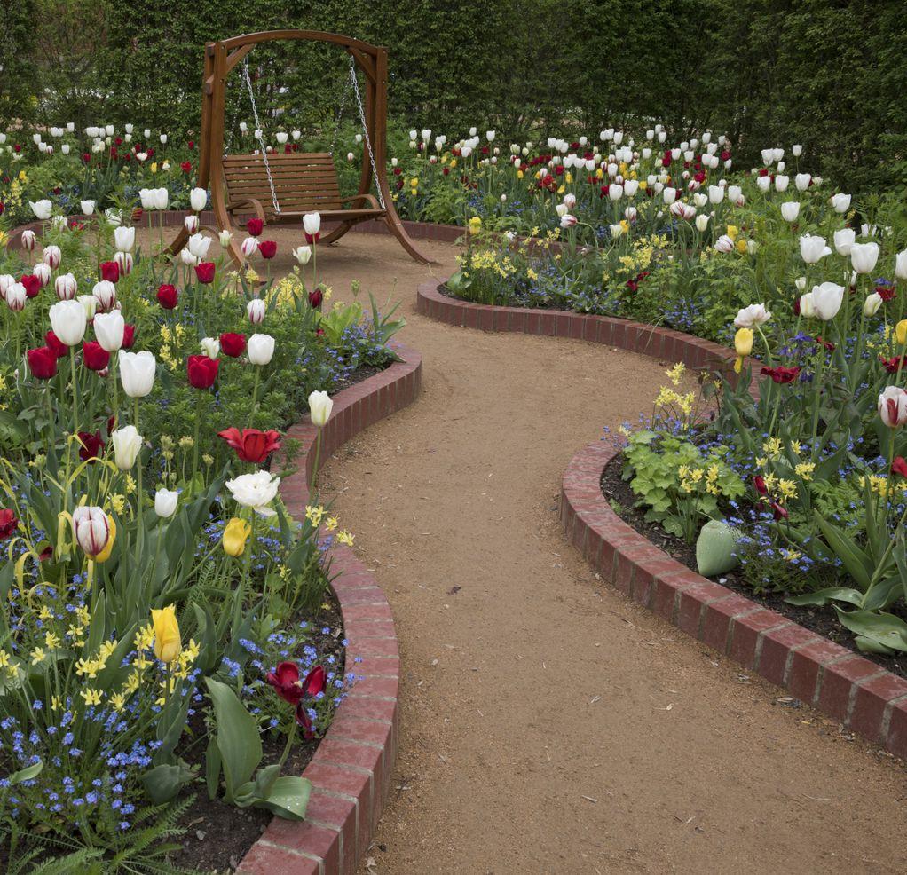 Градини каде љубителите на лалињата би се чувствувале како во рајот