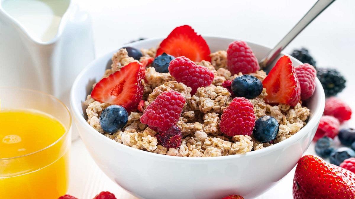 5 правила за појадок со кои ќе го намалите вишокот килограми