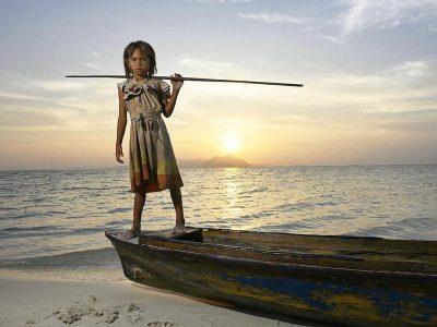 Фотографии кои го прикажуваат детството низ целиот свет