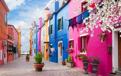 Постојат шарени градови, а тука е и Бурано: Идилична оаза во близина на Венеција