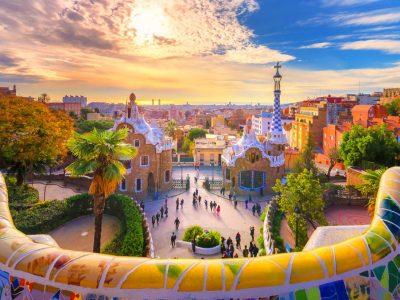 Барселона: 6 работи што можеби не сте ги знаеле за совршениот Парк Гуел