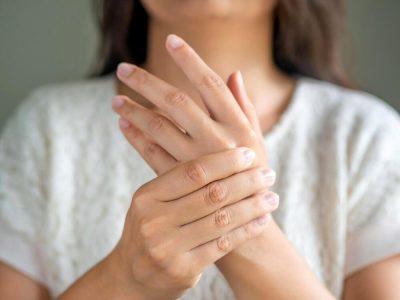 Ако прстите ви се отечени, можеби имате некое од овие сериозни заболувања