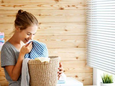 За волшебен мирис и алишта без дамки: Додајте една од овие 8 тајни состојки при перење
