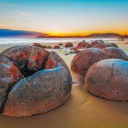 Како јајца од диносаурус: Камења од кои се произлегуваат легенди и убави фотографии