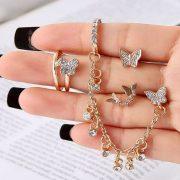 Каков накит ќе се носи ова лето?