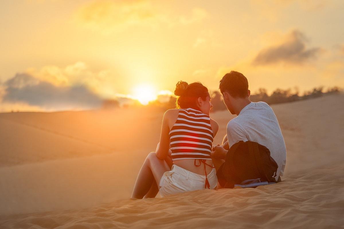 4 хороскопски знаци што живеат за летни авантури
