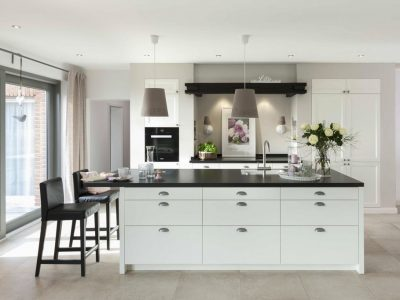 Црно-бели убавици: 15 фотографии што ќе ве натераат да ја внесете црната боја во кујната