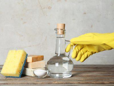 Кои површини не треба да ги чистите со акохолен оцет?