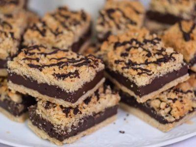 Рецепт за вкусна чоколадна пита со лешници