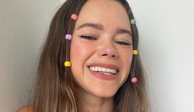 5 додатоци за коса инспирирани од 90-тите што можете да ги носите на плажа