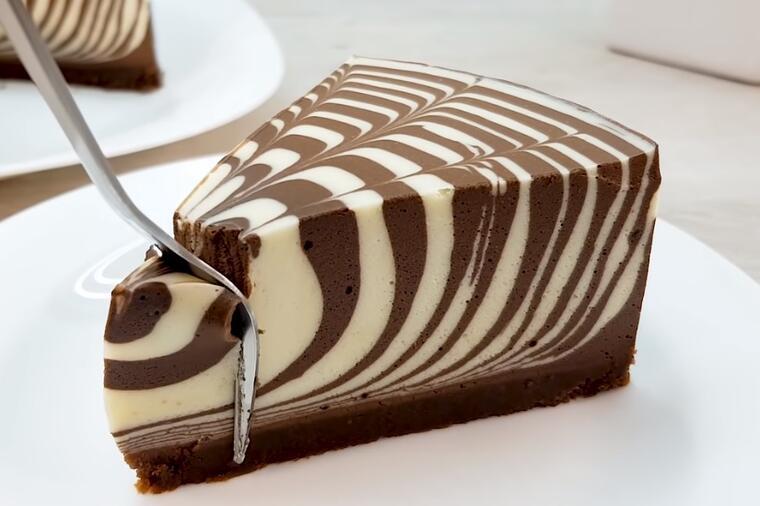 Кремаста и со неодолив вкус: Рецепт за зебра торта што не се пече