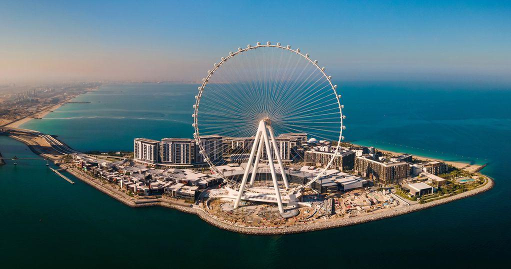 Се отвора најголемото панорамско тркало во светот: Поглед на Дубаи од височина од 250 метри