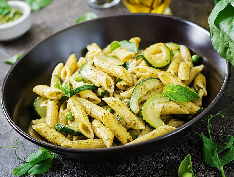 Рецепт за тестенини со вкусен сос од тиквички и путер