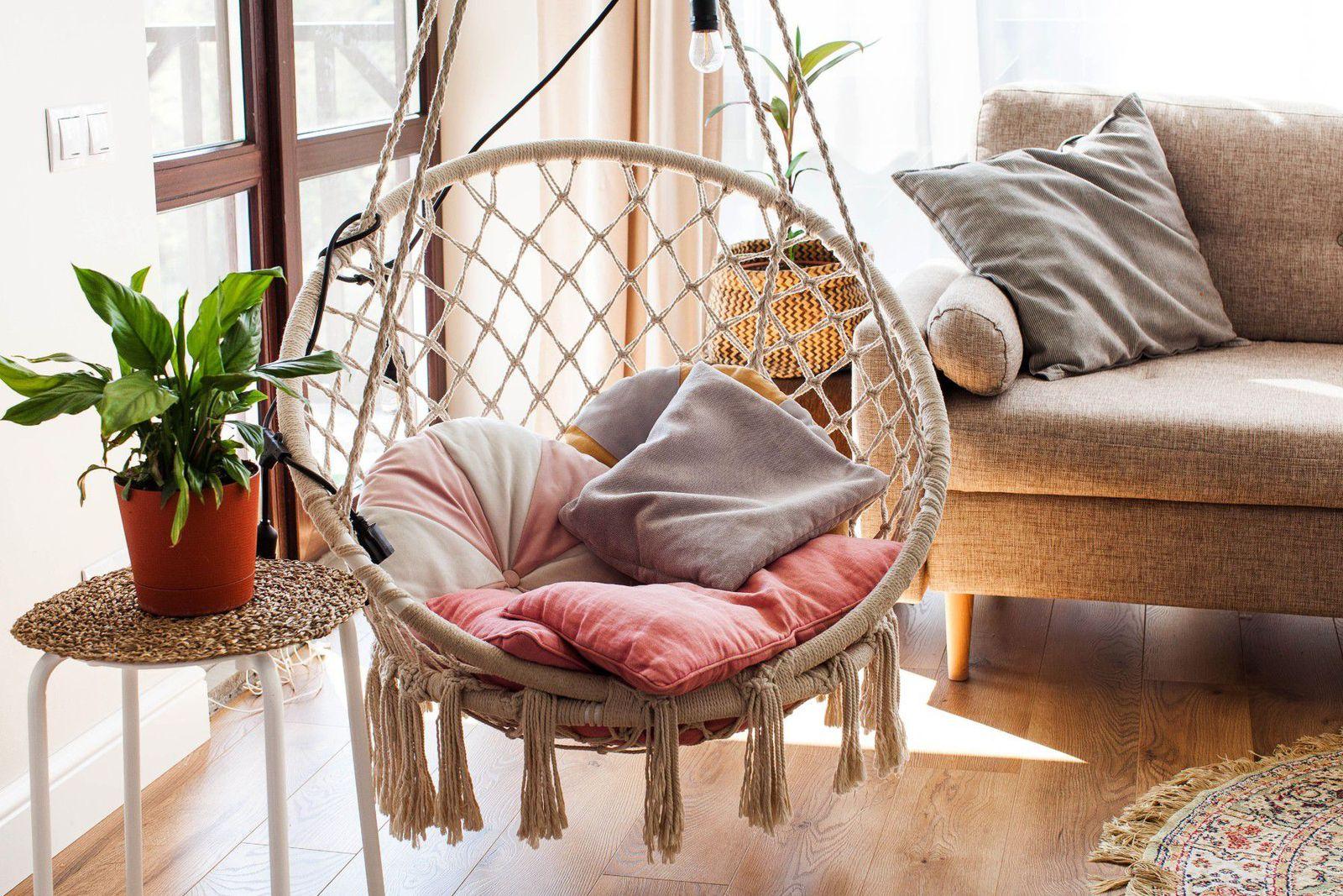 10 фотографии што ќе ве натераат да посакате да имате нишалка во дневната соба