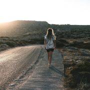 3 хороскопски знаци што ги очекуваат тешкотии во љубовта