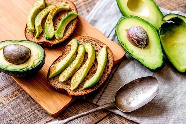 Како храната влијае на кожата? Проверете што да јадете за убава кожа