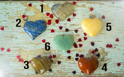 ТЕСТ: Изберете кристал и откријте ја вашата љубовна порака